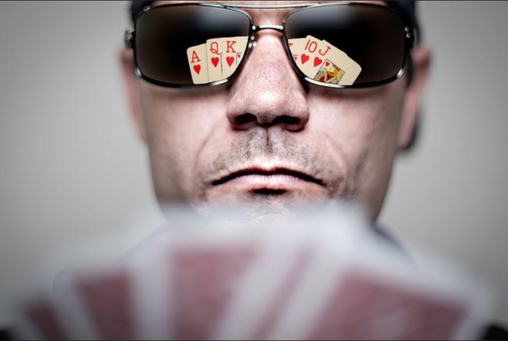 Why Bluffing Is Important While Playing Poker?